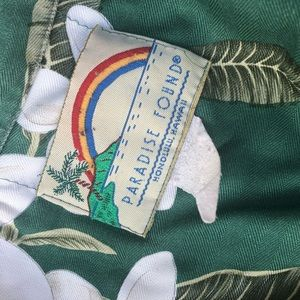 Paradise Found button down Hawaiian shirt